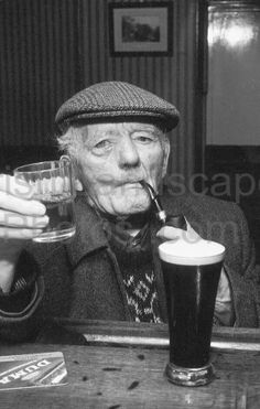 Having a Pint and a small one Black N White Images, Black And White, Outdoor Photos, Beer, Art, Root Beer, Art Background, Ale, Black N White
