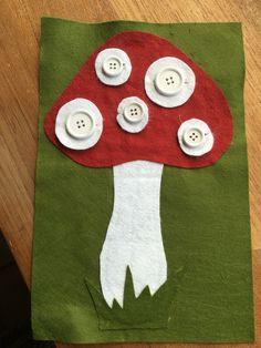 Thema herfst : Eerste zelfgemaakt fijne motoriek spelletje. Hang de stippen op de paddenstoel!