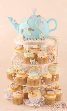 Alice in Wonderland Vintage Tea Party - Cake by Little Cherry