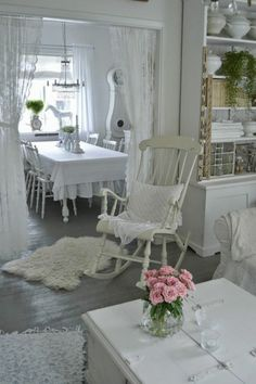 8 Stupendous Cool Tips: Shabby Chic Garden Rose Bouquet shabby chic chairs white.Shabby Chic Home Rustic shabby chic home rustic.Shabby Chic Home. Shabby Chic Living Room, Shabby Chic Interiors, Shabby Chic Bedrooms, Shabby Chic Kitchen, Shabby Chic Cottage, Shabby Chic Homes, Shabby Chic Furniture, White Cottage, Romantic Cottage