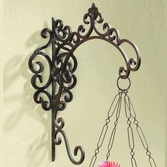 wrought iron brackets- could be perfect for bathroom/ laundry signs!!