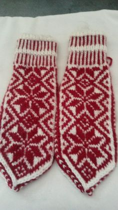 typisk norsk Gloves, Socks, Winter, Winter Time, Sock, Stockings, Ankle Socks, Winter Fashion, Hosiery