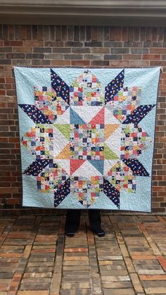 I'm still in the process of trying to get a good chunk of my finished quilts on the blog. So today I'm going to show off one of my favorite quilts ever. My patchwork Swoon.  Patter…