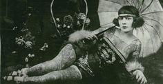 Vintage+Photographs+of+Tattooed+Women+(5).jpg (600×311)