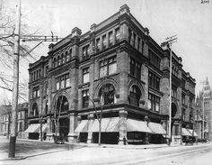 Morgan's Department Store St Catherine St, Montreal (circa 1890). eventually become The Bay.