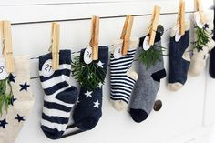 Advent calendar made of mini socks - Weihnachten - baby Christmas Mantels, Christmas Time, Christmas Stockings, Christmas Crafts, Christmas Decorations, Xmas, Holiday Decor, Advent Calenders, Diy Advent Calendar