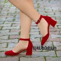Aspas Süet Kırmızı Kısa Topuklu Babet