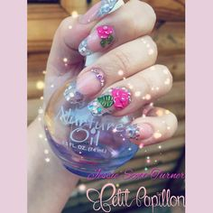 These Glitzy nails a