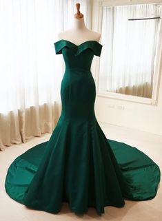 prom dresses,emerald green prom dress,evening gowns,long prom dresses,evening gown Dresses Near Me Dark Green Prom Dresses, Green Wedding Dresses, Emerald Green Dresses, Dresses Short, Grad Dresses, Mermaid Prom Dresses, Homecoming Dresses, Formal Dresses, Emerald Green Wedding Dress