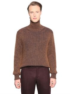 LARUSMIANI RIBBED CASHMERE & MOHAIR SWEATER, CAMEL. #larusmiani #cloth #knitwear