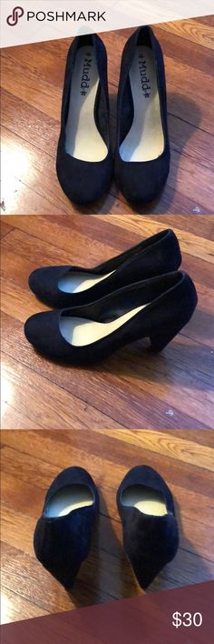 Black Suede Pumps Perfect condition only worn once Mudd Shoes Heels