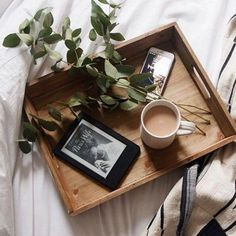 Trendy breakfast in bed photography inspiration life 50 Ideas Coffee Break, Coffee Time, Morning Coffee, Tea Time, Coffee Cups, Lazy Morning, Coffee Coffee, Pag Web, Photo Café