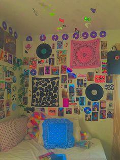 Indie Room Decor, Cute Room Decor, Aesthetic Room Decor, Chambre Indie, Chill Room, Cute Room Ideas, Retro Room, Grunge Room, Room Ideas Bedroom