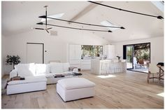 Thornsberry House, A Luxe Country Getaway - Houses for Rent in Sonoma - Get $25 credit with Airbnb if you sign up with this link http://www.airbnb.com/c/groberts22