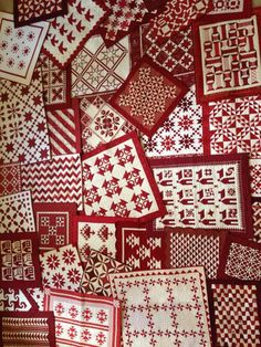 Red And White Quilts, Miniature Quilts, Quilting Room, Minis, Miniatures, Modern, Inspiration, Scrappy Quilts, Biblical Inspiration