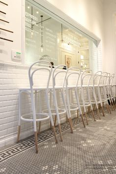 14 chair - thonet chair - bistrot chair - vienna chair - design icons on…