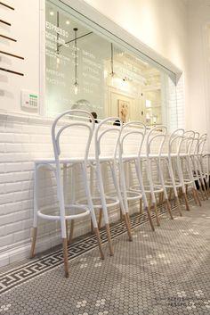 14 chair - thonet chair - bistrot chair - vienna chair - design icons on…