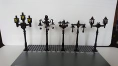 Lego Minifigure Display, Lego Display, Lego Design, Lego Furniture, Street Furniture, Lego Christmas Village, Lego 4, Lego Modular, Cool Lego Creations
