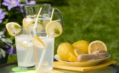 Inspired by a recipe developed by Linda Dowling from the Happy Valley Lavender Farm in Metchosin, BC. How To Make Lemonade, Homemade Lemonade, Lemonade 6, Happy Valley, Mojito, Epicure Recipes, Stem Challenge, Lawn Party, Tea Party