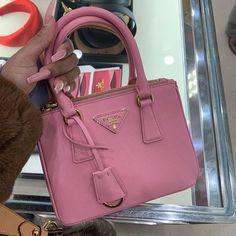 K Pop, Pink Prada Bag, Pink Bags, Giveaway, Grunge, Mini Purse, Luxury Bags, Hermes Birkin, Birkin Bags