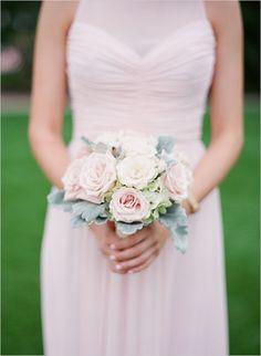 blush bridesmaid bouquet @weddingchicks