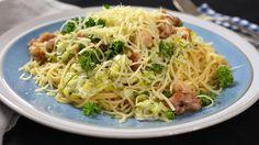 Spaghetti met gebakken kip, prei en look | VTM Koken