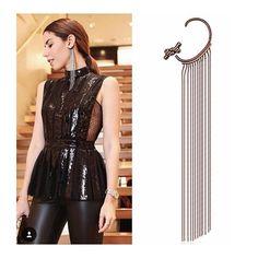 @camilacoutinho arrasando na NYFW com a earcuff 💎 #mariadolores® + @patbo_oficial !  A nova coleção chega as lojas ainda esse mês ✨! #nyfw      #patboparamariadolores #camilacoutinho #designmariadolores #designmd #jewelry #costumejewelry #statementjewelry #fringe #earcuff #artjewelry #wearableart #ny #mariadolores #md