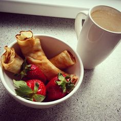 Finomság  #yummylicious #instafood #mutimiteszel #coffee #pancakes #strawberry #goodlife #justforme