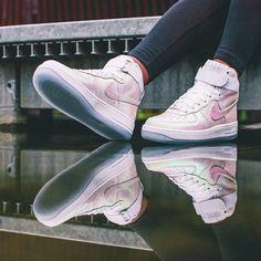Nike Air Force 1 High Iridescent Pearl