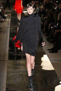 Givenchy, P-E 17 - L'officiel de la mode