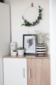 Rozhovor s Milky.cz - My Home, My Obsession Bohemian Christmas, Floating Shelves, Wreaths, Holidays, Blog, Home Decor, Holidays Events, Decoration Home, Door Wreaths