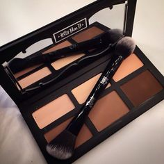Kat Von D shade and light contour palette AND BRUSH