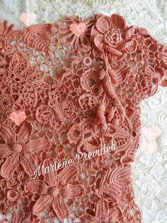 Vestido tecido por mim, na tecnica da Renda Irlandesa para uma cliente muito especial , fio utilizado para esta obra seda pura!!!