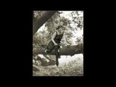 Red Nichols & His Five Pennies (M. Mole, Fud Livingston, Lennie Hayton) - Ida, Sweet As Apple Cider -   Red Nichols (c), Miff Mole (tb), Pee Wee Russell (cl), Fud Livingston (ts), Adrian Rollini (bsx), Lennie Hayton (p, arr), Dick McDonough (g), Vic Berton (d). New York, August 15, 1927