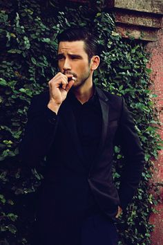All black ensemble--who cares about the outfit, this guy is hot!