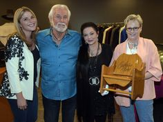 Crystal Gayle Photos Photos - Jenna Bush, Kenny Rogers, Crystal Gayle and…