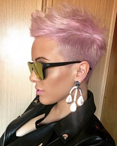 Today we have the most stylish 86 Cute Short Pixie Haircuts. We claim that you have never seen such elegant and eye-catching short hairstyles before. Pixie haircut, of course, offers a lot of options for the hair of the ladies'… Continue Reading → Short Pixie Haircuts, Pixie Hairstyles, Short Hairstyles For Women, Cool Hairstyles, Pixie Mohawk, Undercut Mohawk, Undercut Pixie, Rose Hair, Pink Hair
