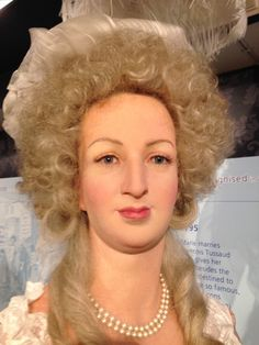 SM Marie-Antoinette, Reine de France y Navarre. A la Madame Tussaud, who modeled this visage from the severed head of the Queen... British Royal Family Members, Mary Robinson, French Royalty, Wax Museum, French History, Madame Tussauds, French Revolution, Queen, Famous Celebrities