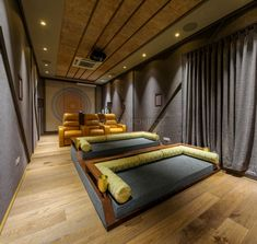 Are you considering purchasing home theater design plans? If not, then you might end up with a nice looking home theater room. Home Theater Room Design, Home Cinema Room, Home Theater Decor, Home Theater Rooms, Home Theater Seating, Theatre Design, Media Room Design, Best Decor, Interior Design Photos
