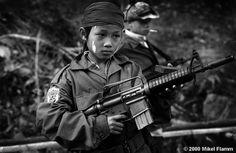 Thai/Burma Bordr, 2000 - Karen Child Soldiers (Photo by Mikel Flamm)