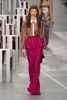 Rosa é a cor mais quente: cor aparece em todas as variações nos desfiles e na moda de rua