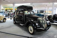 #Peugeot #402 #Gazogène au Musée de l'Aventure #Peugeot  Reportage complet : http://newsdanciennes.com/2015/08/19/on-a-teste-pour-vous-le-musee-de-laventure-peugeot/ #classiccar #voiture #ancienne #vintage