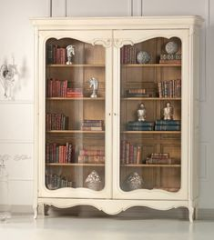 Vintage Love this- Would have different things inside :) Decor, Furniture, Shabby Chic Decor, Beautiful Furniture, Interior Decorating Inspiration, Upcycled Furniture, Home Decor, Furniture Making, Furniture Inspiration