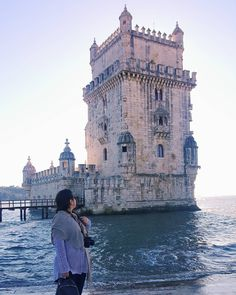 Torre de Belém, Lisboa, Portugal. Belém Tower 📸 Fotografia de viagem para inspirar seu banco de imagens. Europa e suas belezas!