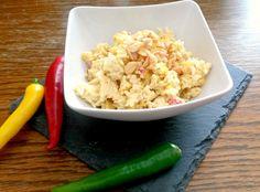 Leckerer Reissalat mit Curry, fruchtiger Mango, knackigen Erdnüssen und einer leichten Schärfe durch Peperoni. Eine wahre Geschmacksexplosion.