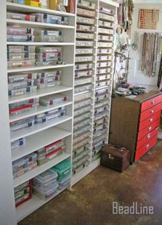 Great Totally Free Craft Storage beads Ideas A high level resourceful individual that likes generating factors, however are fed up with acquiring your bit Bead Organization, Bead Storage, Craft Room Storage, Craft Rooms, Paper Storage, Storage Ideas, Space Crafts, Home Crafts, Fishing Storage