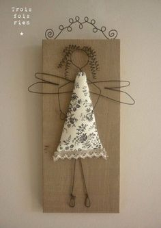 Wood Crafts That Make Money Wood Cutouts For Crafts<br> Diy Projects To Try, Crafts To Make, Craft Projects, Arts And Crafts, Christmas Angels, Christmas Crafts, Christmas Decorations, Christmas Ornaments, Art Fil