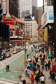 Square Times Square NYC - Guaranteed Best price and availability on Hotels Broadway Nyc, Rockefeller Center, Empire State, Art Génératif, New York City, A New York Minute, I Love Nyc, 42nd Street, Vintage New York