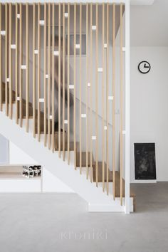 Stair Railing Design, Home Stairs Design, Staircase Railings, Interior Stairs, Bannister, Living Room Partition Design, Room Partition Designs, Modern Stairs, Studio Interior