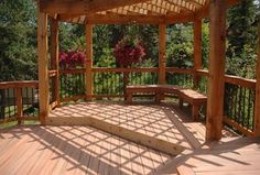 Traditional Deck with Trellis